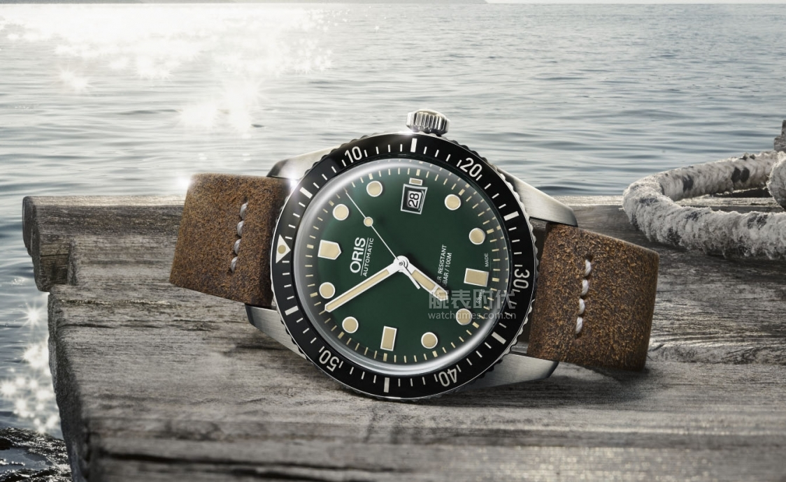 Oris-Divers-65-Green-Leather-On-Dock