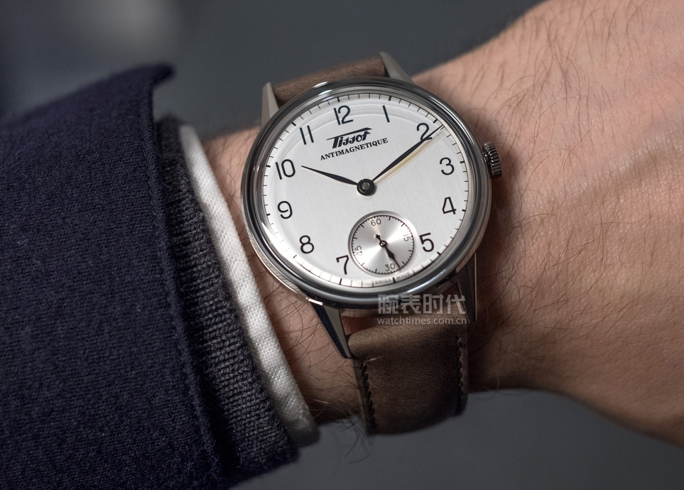 thoughts-HERITAGE-PETITE-SECONDE-wrist-shot1