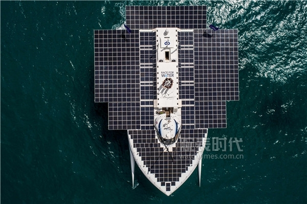 Breguet-supports-Race-for-Water_photo_PETER_CHARAF_DJI-(2)